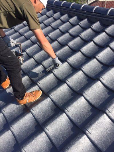 クリエイティブカラー株式会社_瓦屋根塗装写真